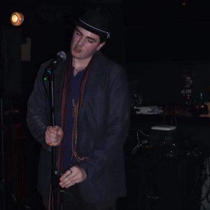 Ștefan Tudor Baciu are 16 ani și este elev al Liceului Teoretic Waldorf Iași. A citit la mai multe lecturi publice, inclusiv la Noaptea albă a poeziei , în cadrul festivalului FILIT. A debutat cu poezie în revista Zona literară. Pe lângă poezie, scrie și eseu, fiind membru al Salonuilui de literatură Junimea din Iași. Compune muzică și ține concerte de blues prin diferite localuri, cântând vocal și la chitară. În afară de pasiunile artistice, manifestă și o atracție puternică pentru filosofie, fizică cuantică și cosmologie. Face parte din Ordinul Suveran al Cavalerilor de Malta.